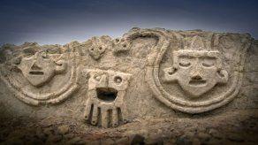 Hallan en Perú muro de 3.800 años de la civilización más antigua de América
