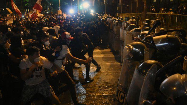 ONU concluye que policía peruana hizo un uso excesivo de fuerza en protestas