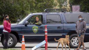 California: Derriban estatua de Junípero Serra en protesta