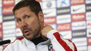 Simeone: Agradecer a Riquelme todas sus noches como futbolista