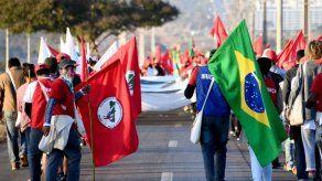 Brasil sopesa si dejar votar a gente que no registró huellas