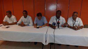 Transportistas denuncian que no los dejan operar en el puerto de Cruceros de Colón