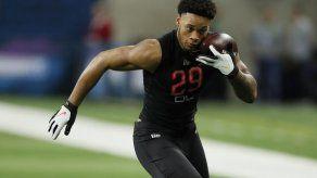 NFL: Prospectos se preparan para draft en casa