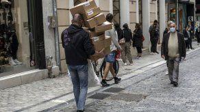 Reabren tiendas minoristas en la mayor parte de Grecia