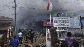 Reos prenden fuego a penal abarrotado en oeste de Indonesia