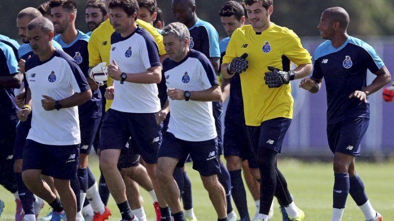 Presidente del Oporto sale en defensa de Casillas y censura a Mourinho