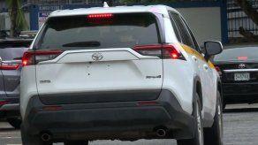 Director de Presupuesto justifica millonaria licitación para alquiler de autos para Presidencia