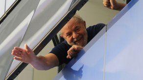 Justicia brasileña restituye beneficios de expresidente Lula