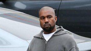 Kanye West se lleva una reprimenda por utilizar su móvil durante una obra de teatro