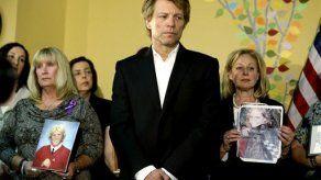 Bon Jovi celebra ley contra sobredosis