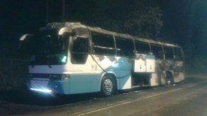 Bus de Chepo se incendia en plena vía
