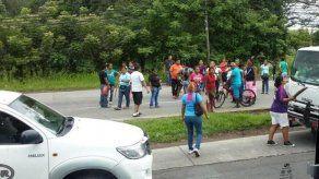 Precaristas de Chiriquí cierran vía Interamericana