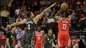 Harden y Westbrook dan cátedra de baloncesto el domingo en la NBA