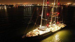 Polonia expulsa a barco de Greenpeace del puerto de Gdansk