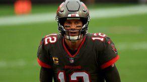 Brady listo para la batalla contra Washington en los playoffs de la NFL