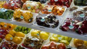 Agricultores manifiestan en la frontera franco-española por un precio mínimo para las frutas