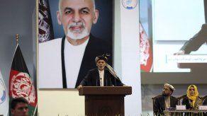 Kabul envía 3 presos a Qatar para intercambio
