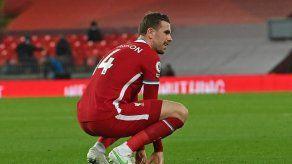 Otro lesionado en Liverpool: Su capitán Henderson