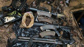 Detención provisional para 6 colombianos tras decomiso de armas y cargadores en Portobelo