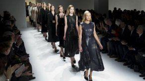 Manos de costureras latinas hicieron posible la Semana de la Moda de N.Y
