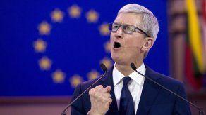 CEO de Apple respalda leyes de protección de datos