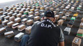 Incautan 596 paquetes de presunta cocaína dentro de contenedor en puerto del Pacífico panameño