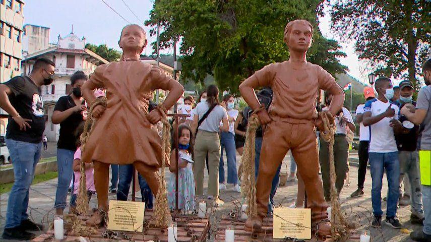 Las dos estatuas