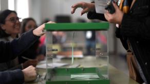 Elecciones andaluzas muestran menos participación a mitad de jornada que 2015