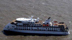 Vuelo humanitario evacuará el jueves a australianos de crucero varado en Uruguay
