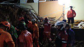 Once muertos y numerosos desaparecidos en dos aludes en Indonesia