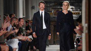 El estreno de Chiuri en Dior llega cargado de reivindicaciones feministas