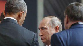 Obama habla con Putin en cumbre APEC