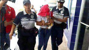 Detención provisional para conductora implicada en fuga e intento de atropello a policías