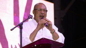 Critican plan de imponer cárcel o multas por insultar a presidente de Surinam