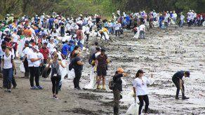 Activistas de Panamá claman que cada uno se haga responsable de sus desechos