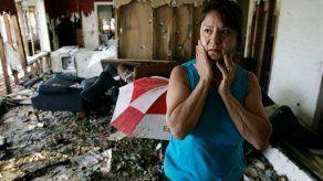 Sobrevivientes de Ike serán evacuados de área devastada