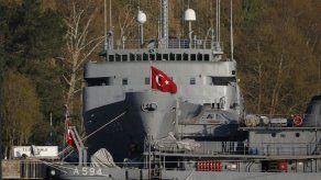 Turquía detiene a exalmirantes por comunicado sobre tratado