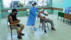 En el circuito 8-10 se espera vacunar contra covid-19 a unas 35 mil personas, mientras que en el circuito 8-1 serán inmunizadas unas 34 mil personas.