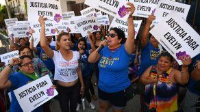 Continúa juicio contra salvadoreña que dice que su bebé nació muerto