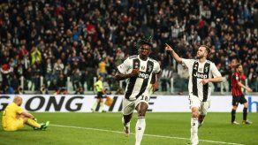 La Juve roza el alirón tras remontar al Milan con goles de Dybala y Kean