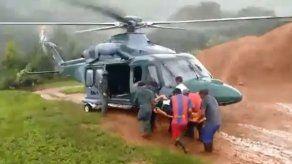 Senan traslada a maestra que se lesionó tras caer camino hacia su escuela en la Comarca