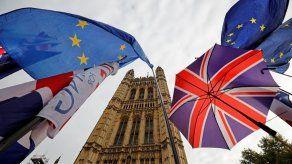 Reino Unido suspende fabricación de moneda conmemorativa del Brexit
