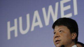 Huawei presenta demanda por ley que la tilda de amenaza
