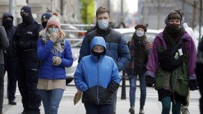 Polonia ajusta las restricciones por la pandemia