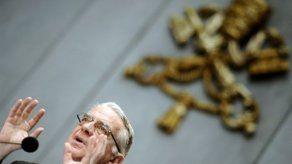 Vaticano confirma la operación para cambiar pilas al marcapasos del Papa