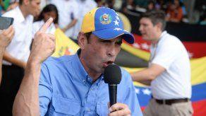 Capriles dice que oposición no convertirá Parlamento en ring de boxeo