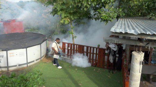 El equipo de vectores de la Región Metropolitana de Salud realizó un mega operativo de verificación, inspección, y nebulización en el corregimiento de Veracruz, para evitar la formación de criaderos de Aedes Aegypti.