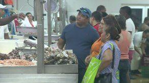 Mercado del Marisco amanece abarrotado por celebración de la Semana Santa