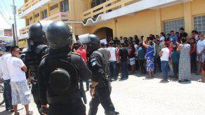Disturbios en varios municipios empañan las elecciones generales de Guatemala