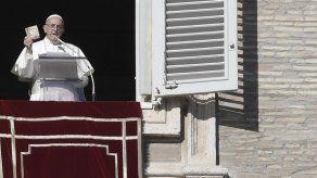 El papa critica el culto al poder y la apariencia